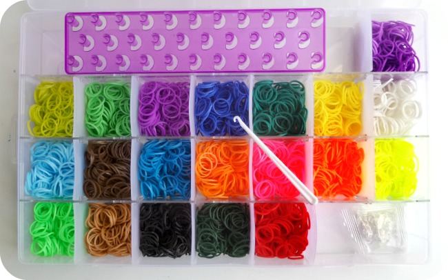 The Works Loom Bands Kit